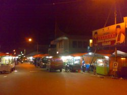 Pasar padangpanjang pada malam hari